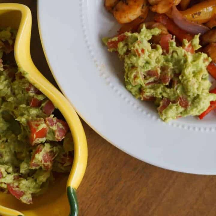4- Ingredient Easy Chunky Guacamole