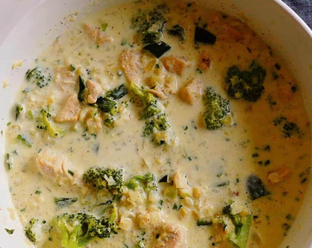 Creamy Chicken and Poblano Soup