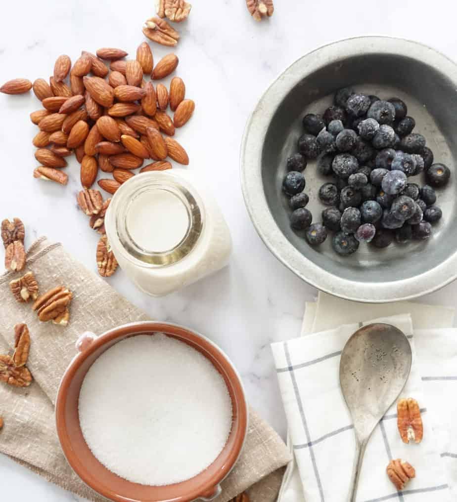 keto low carb blueberry almond smoothie