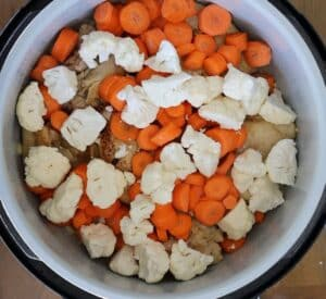 carrots cauliflower and chicken in pressure cooker instant pot