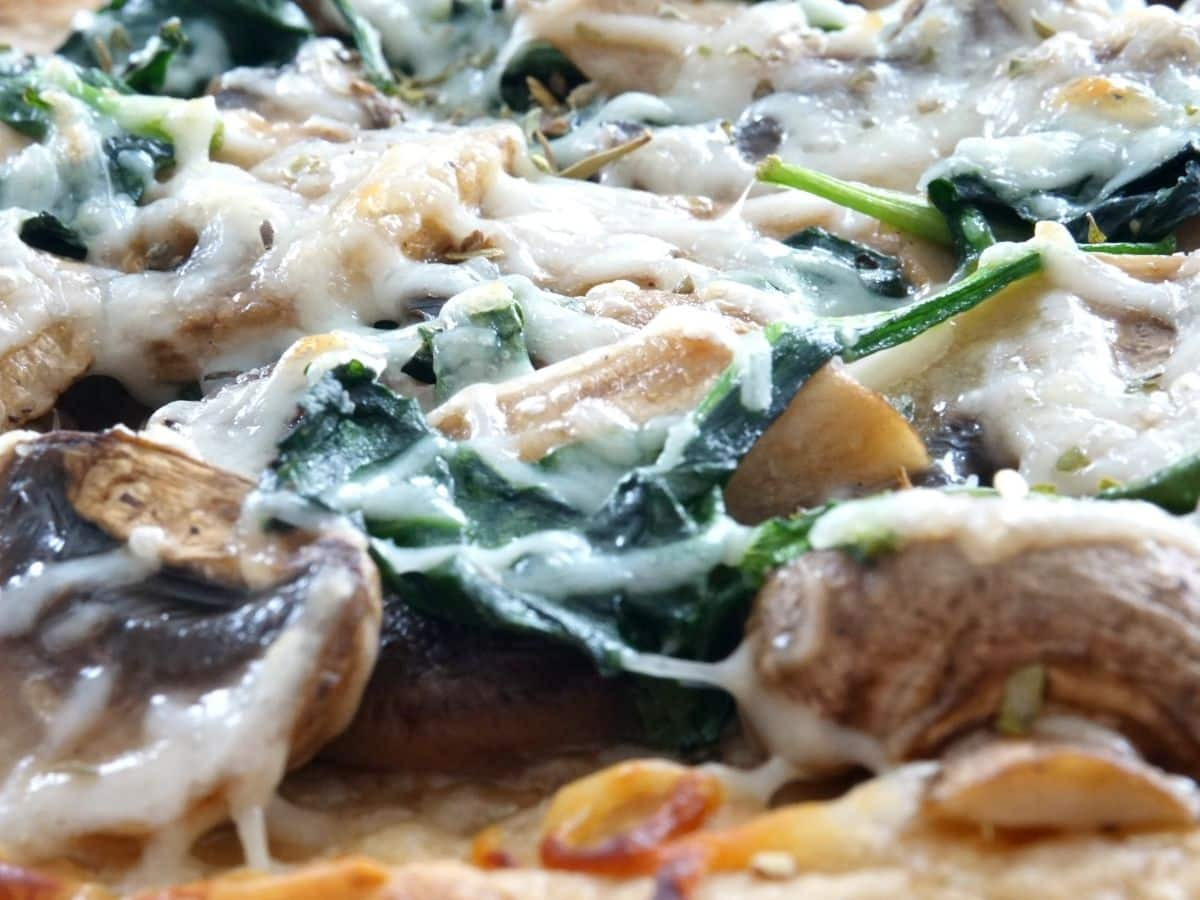 cheesy mushrooms and spinach