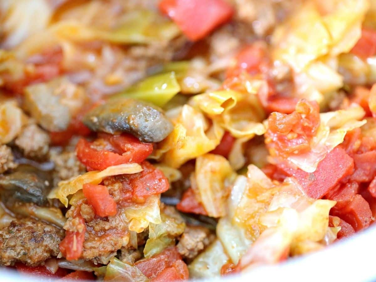 mushrooms cabbage soup with tomatoes