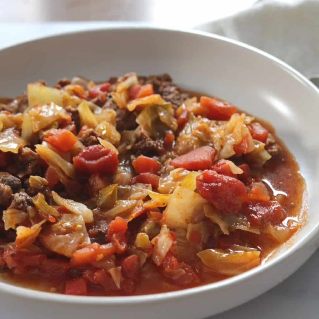 spicy hamburger cabbage soup