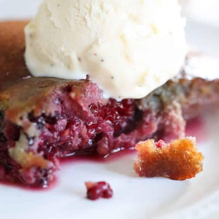 blackberry keto cobbler dessert