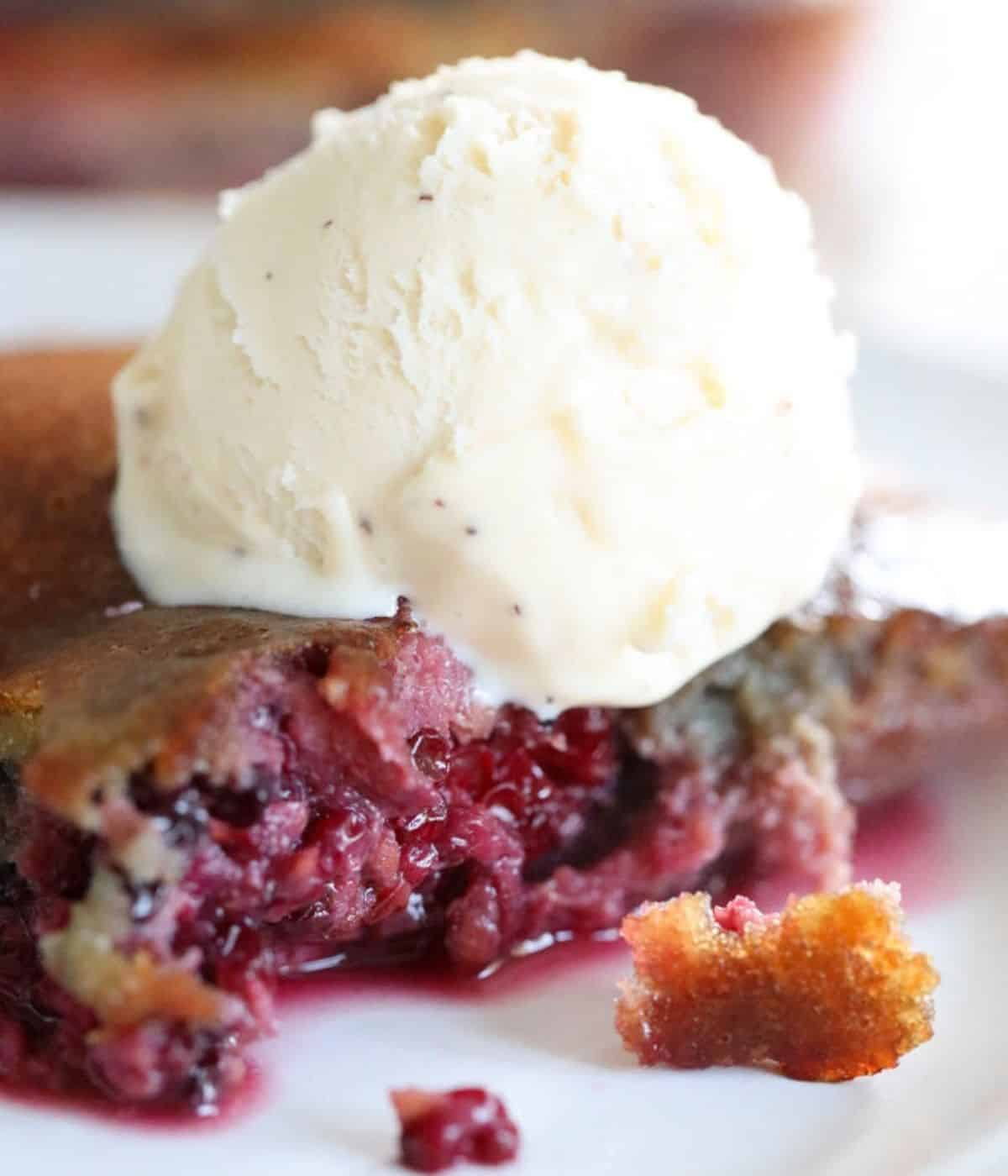 simple blackberry keto cobbler dessert